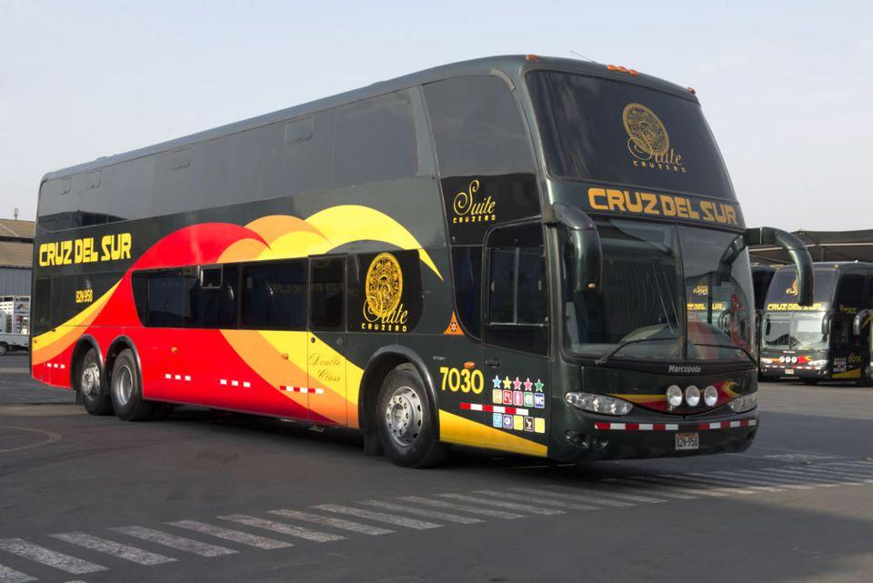 Cruz del Sur: Peru Bus
