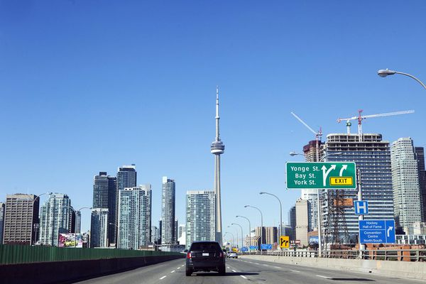 Highway view of Downtown Toronto, with the CN Tower in the center