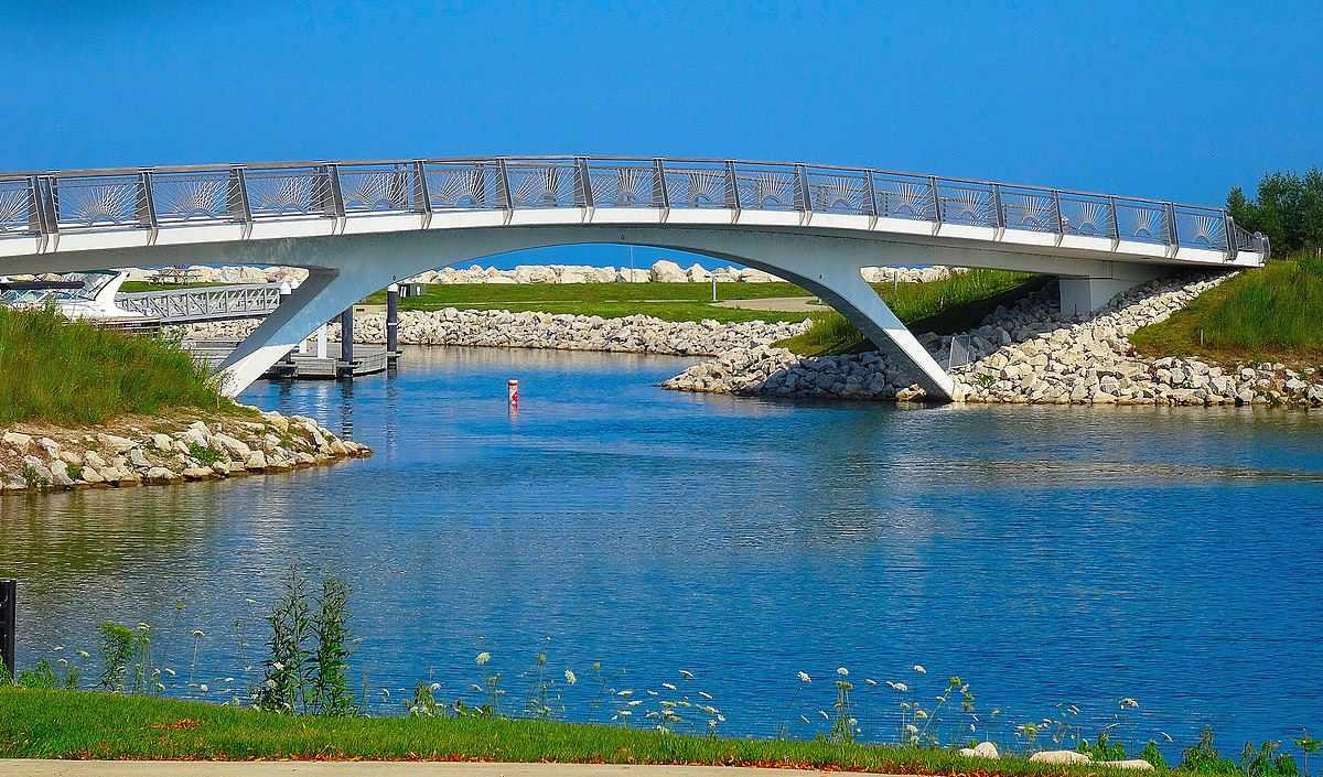 Lakeshore State Park Bridge