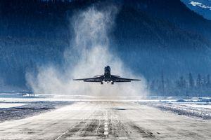 Plane landing in Switzerland airport
