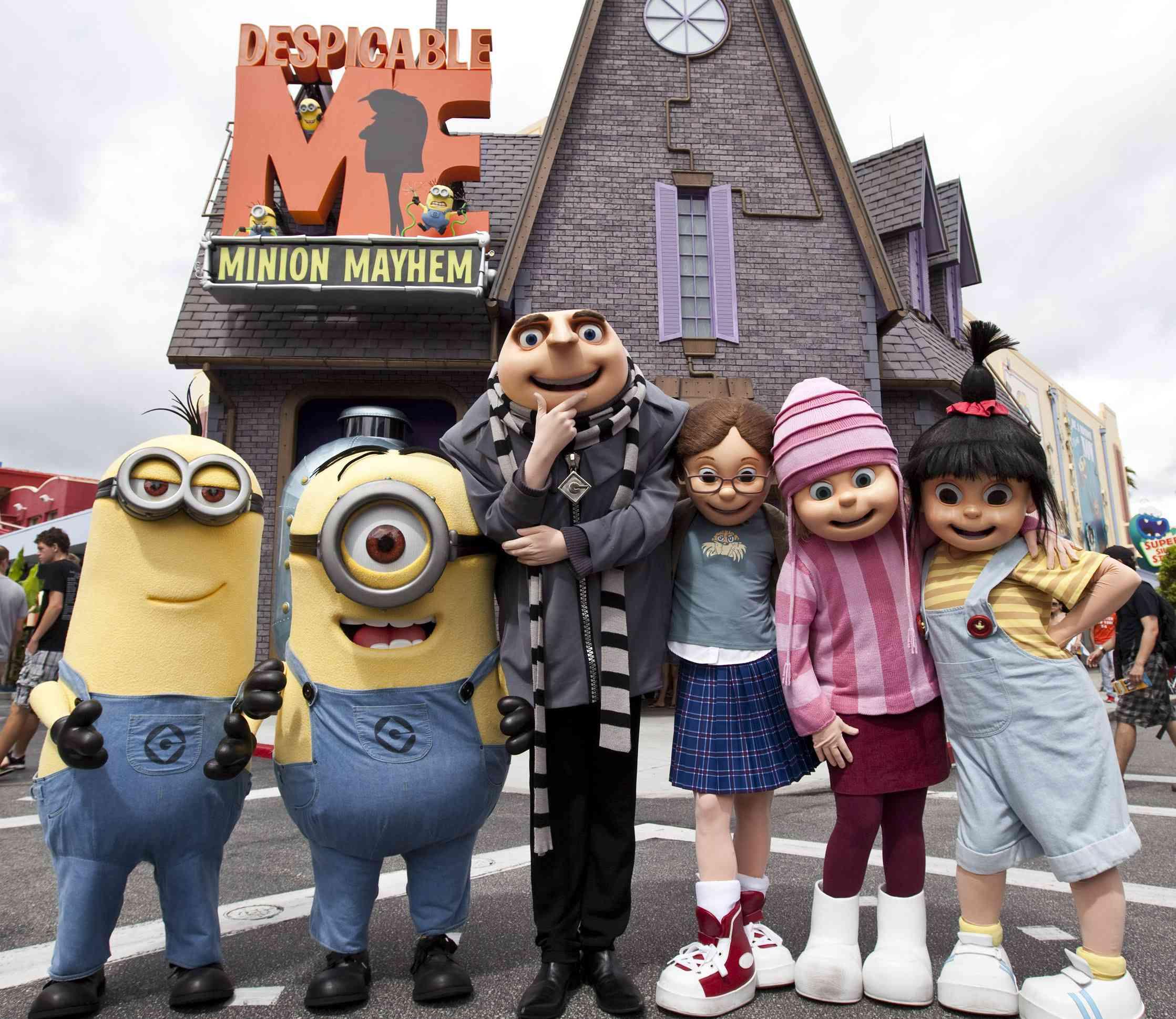 Despicable Me Minion Mayhem ride facade