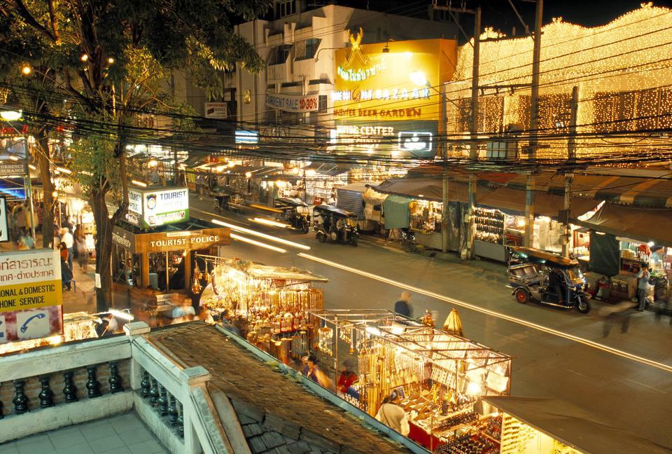 bazar nocturno