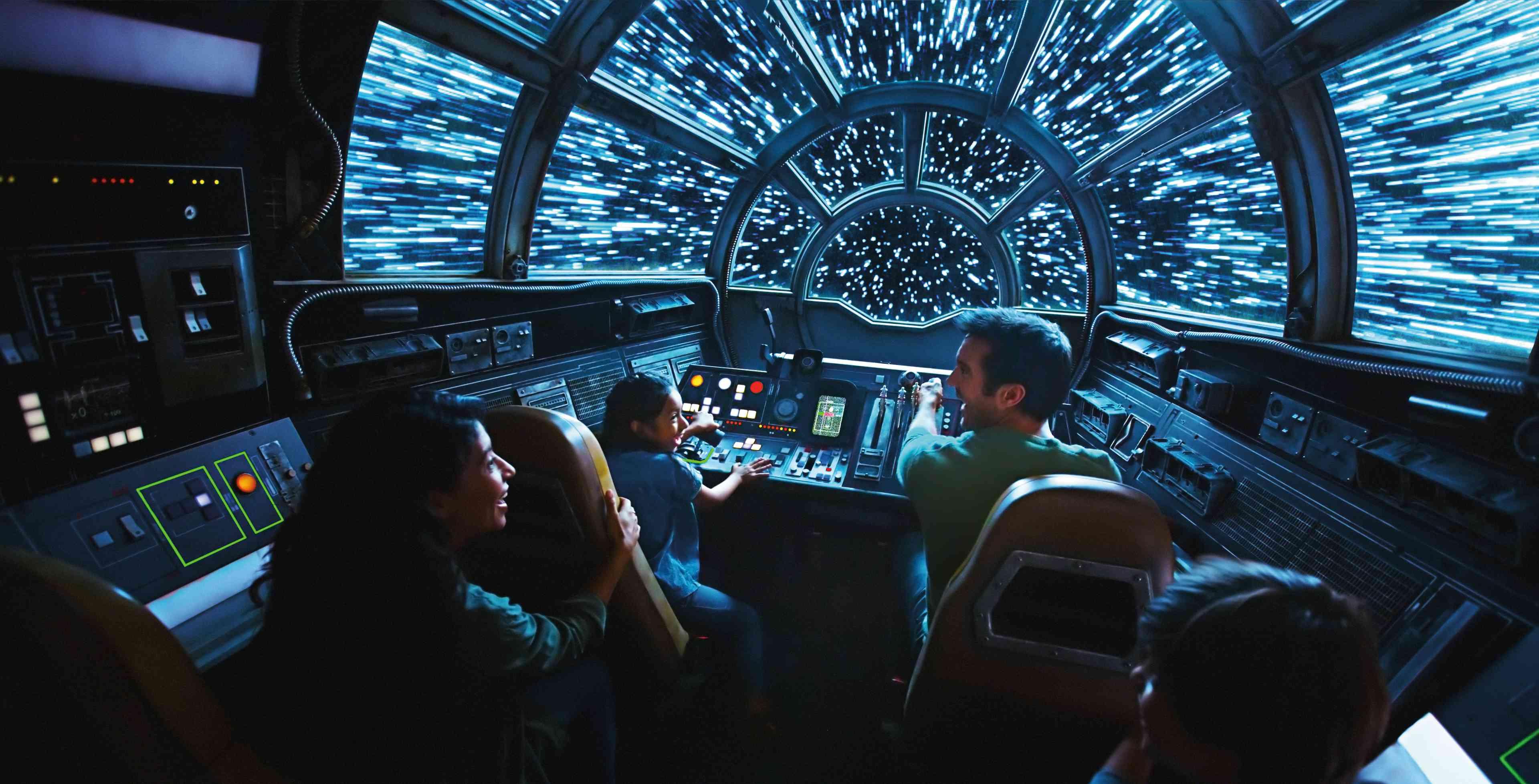 Cabina de paseo de los parques Millennium Falcon Disney