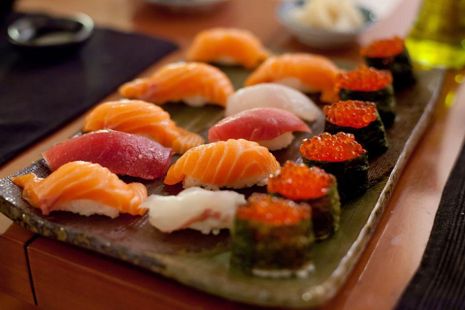 A plate of negiri sushi