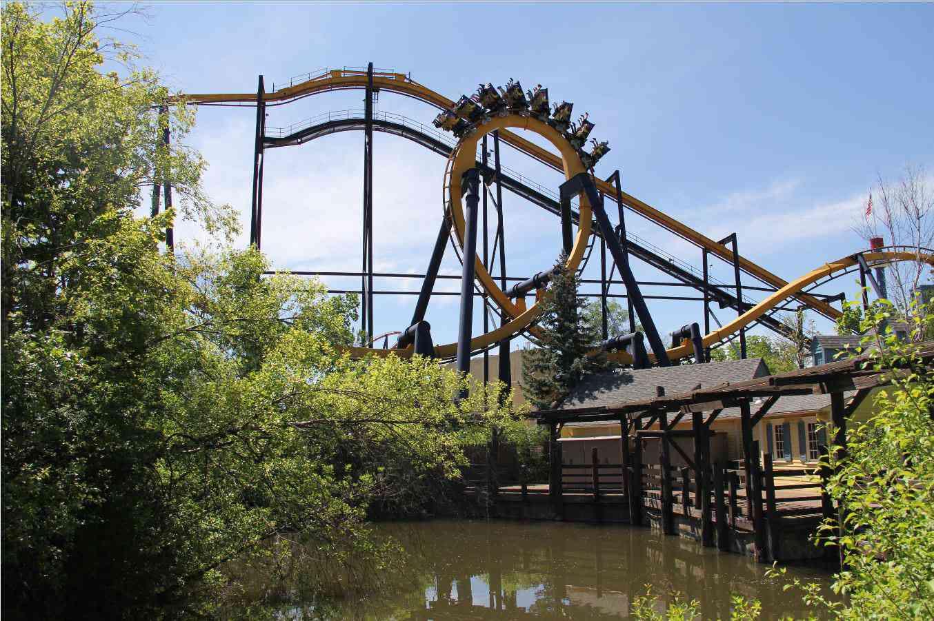 Batman- The Ride at Six Flags