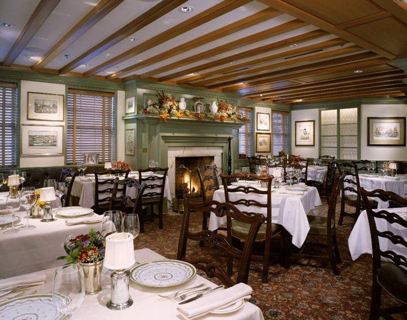 1789 Restaurant dining room