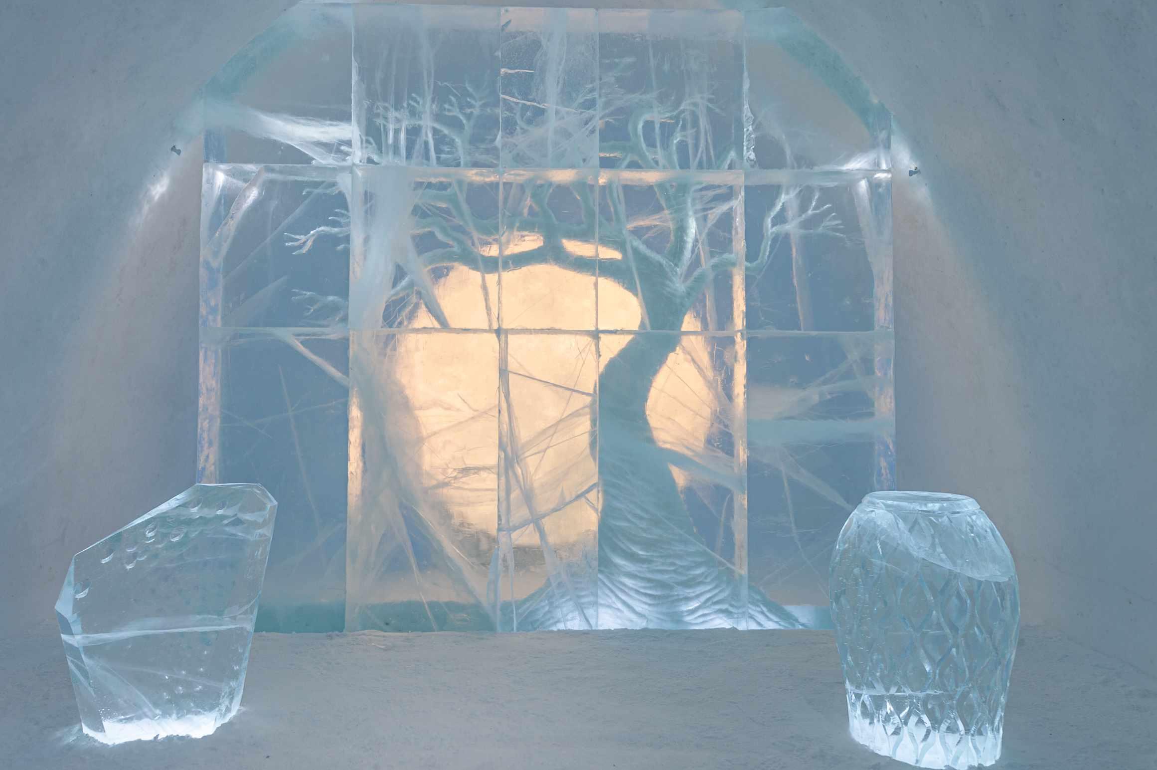 tree ice sculpture
