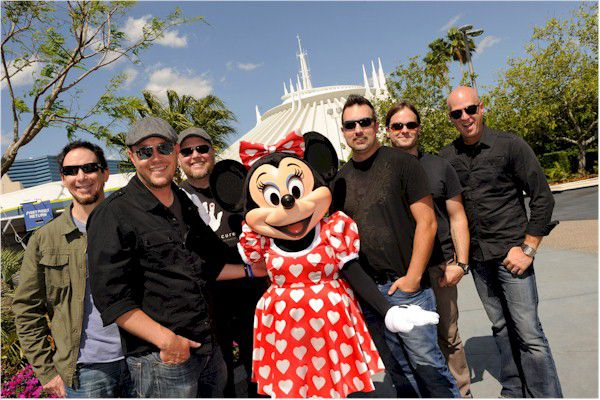 MercyMe con Minnie Mouse