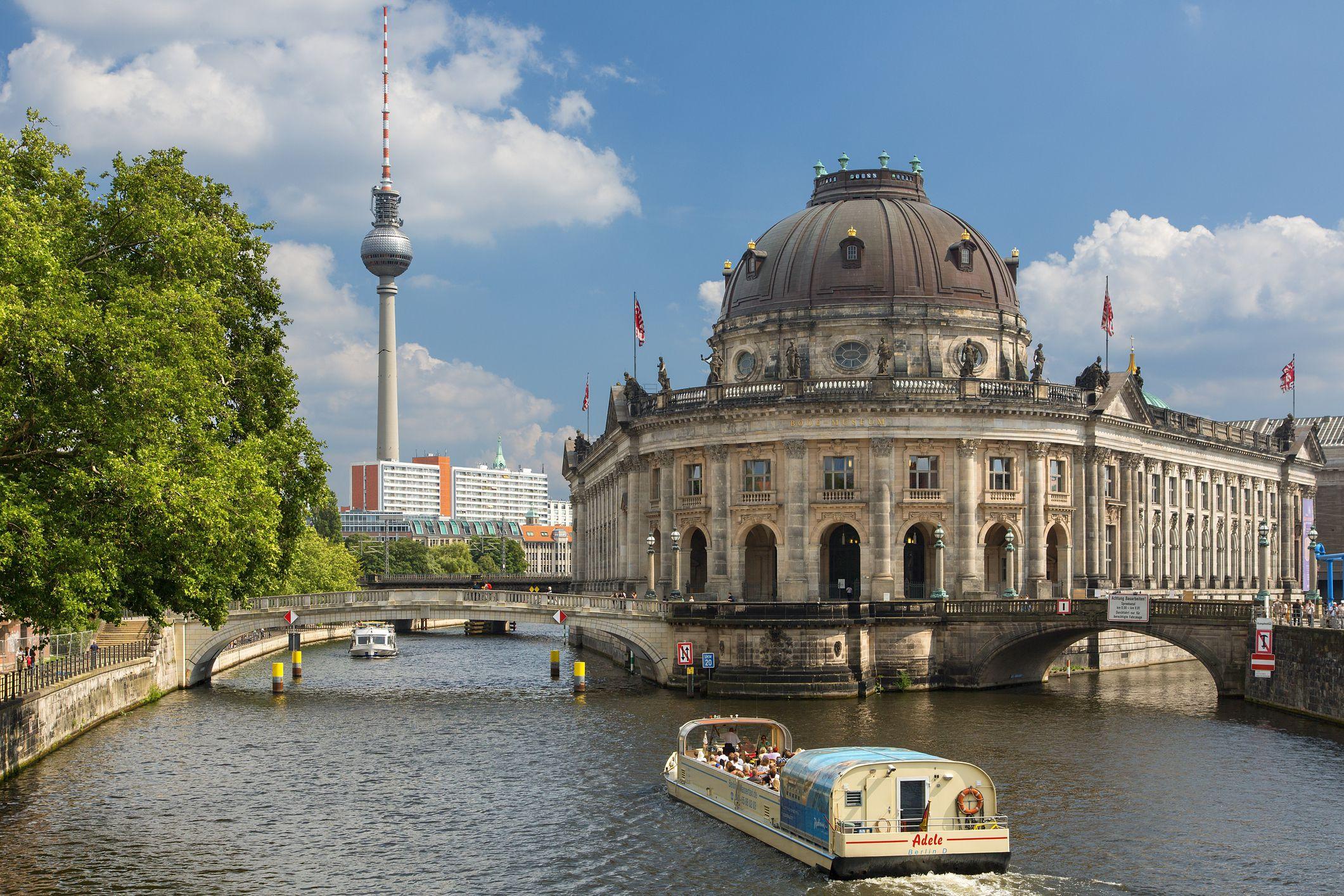The Complete Guide to Berlin\'s Neighborhoods