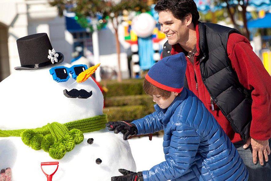 Christmas At California Theme Parks 2018 Holiday