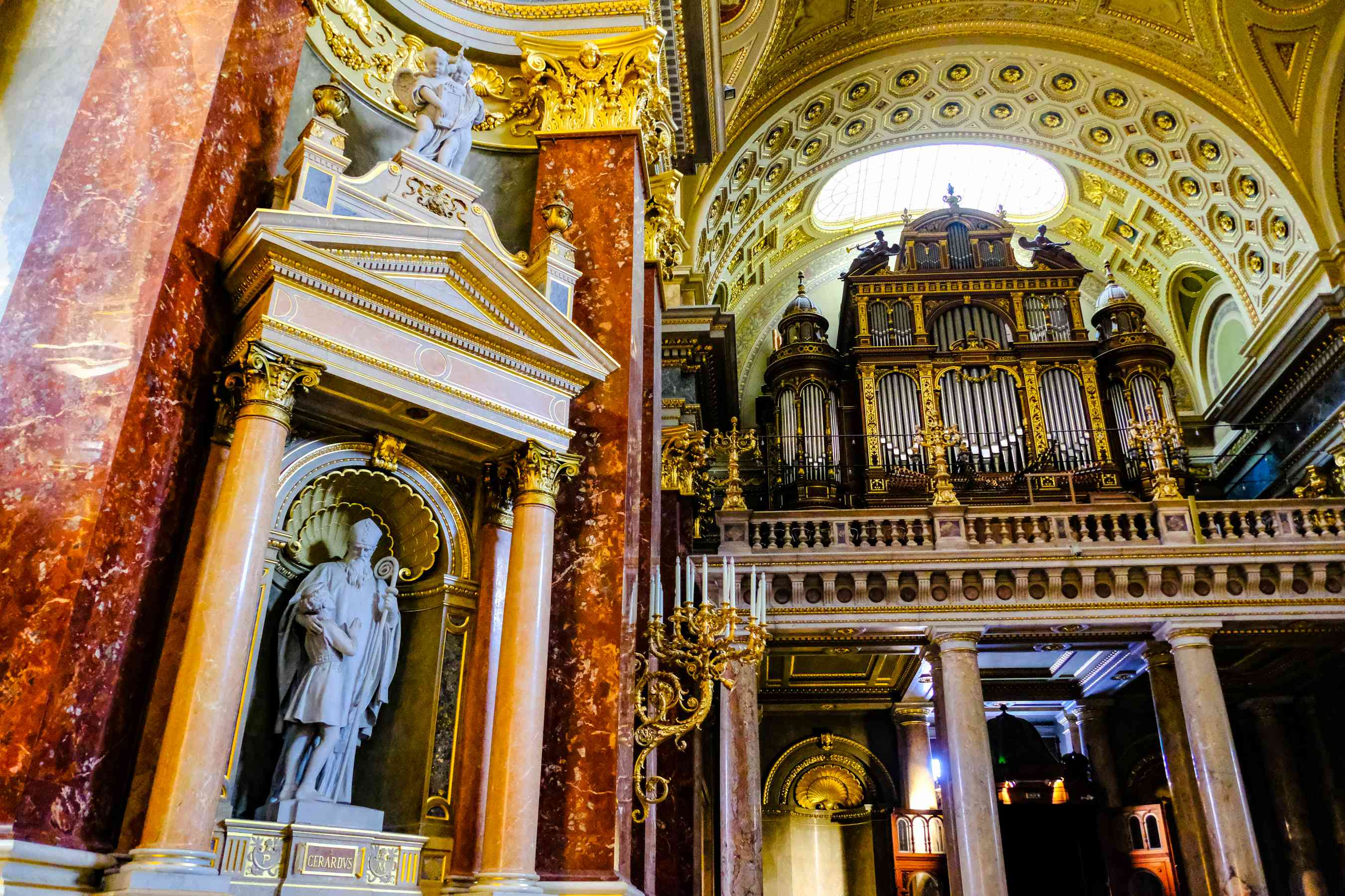 The inside ornate decorations of St Stephen's Basilica