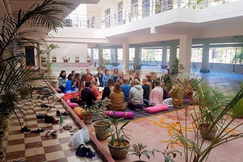 Alakh Yoga School