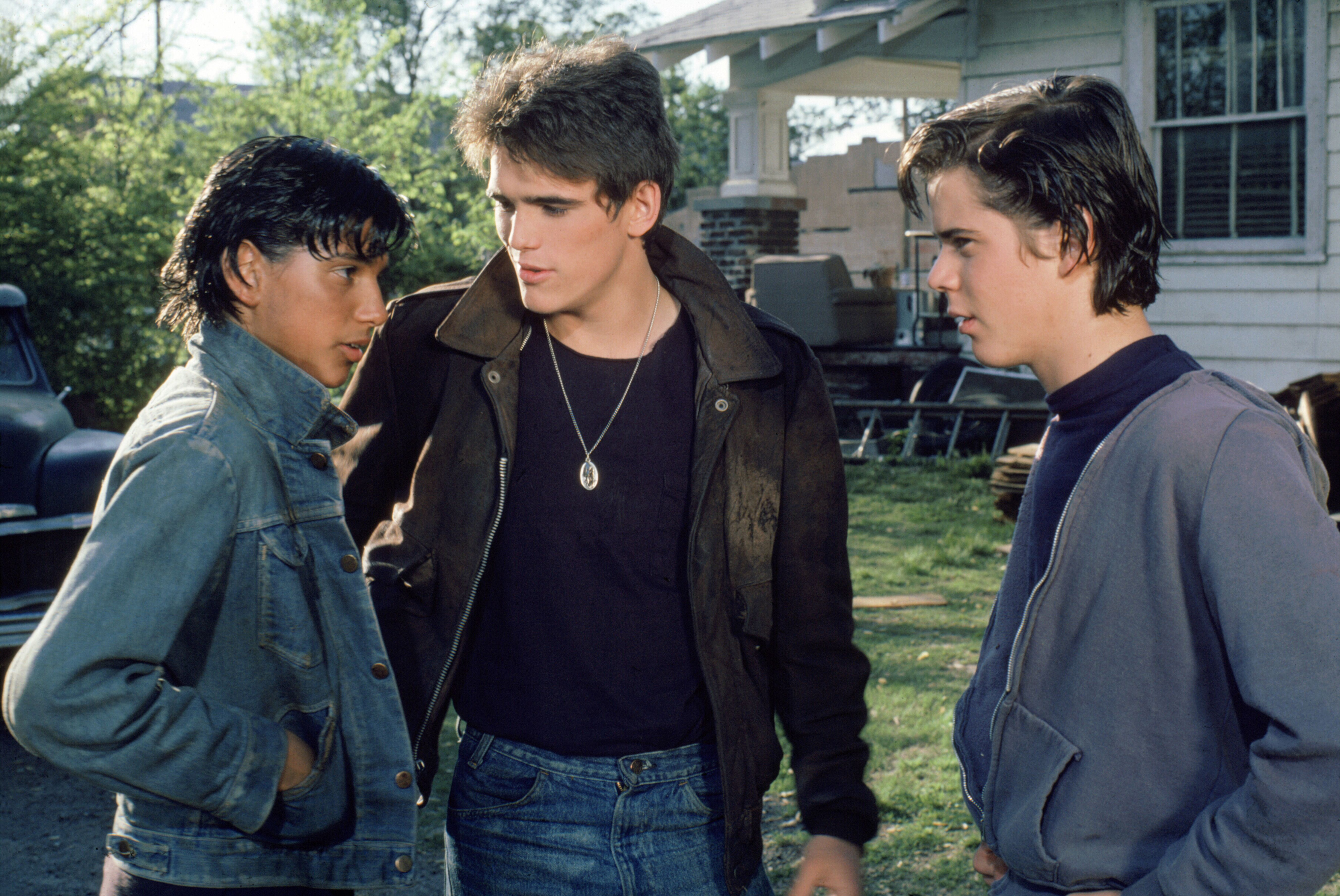 where is the outsiders set