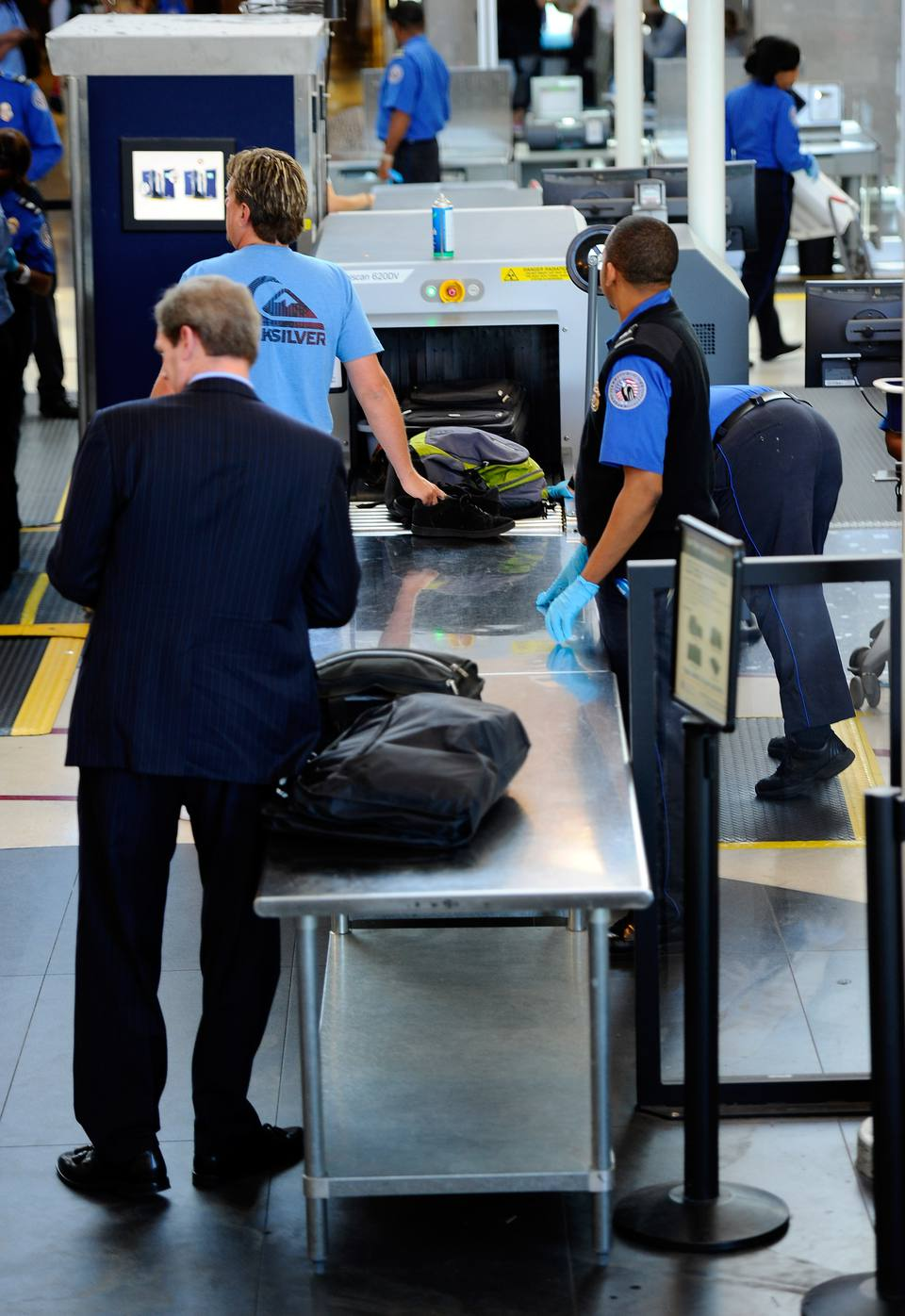 Theft from airport security checkpoints is on the rise. Protect yourself by following a few simple tips.