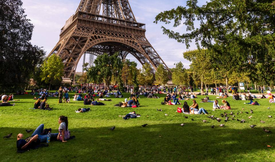 A Summer Day In Paris