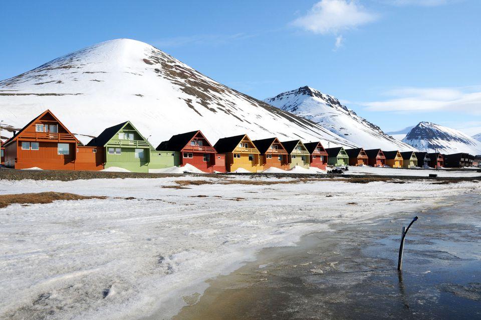 Casas coloridas en Longyearbyen, Svalbard, Noruega