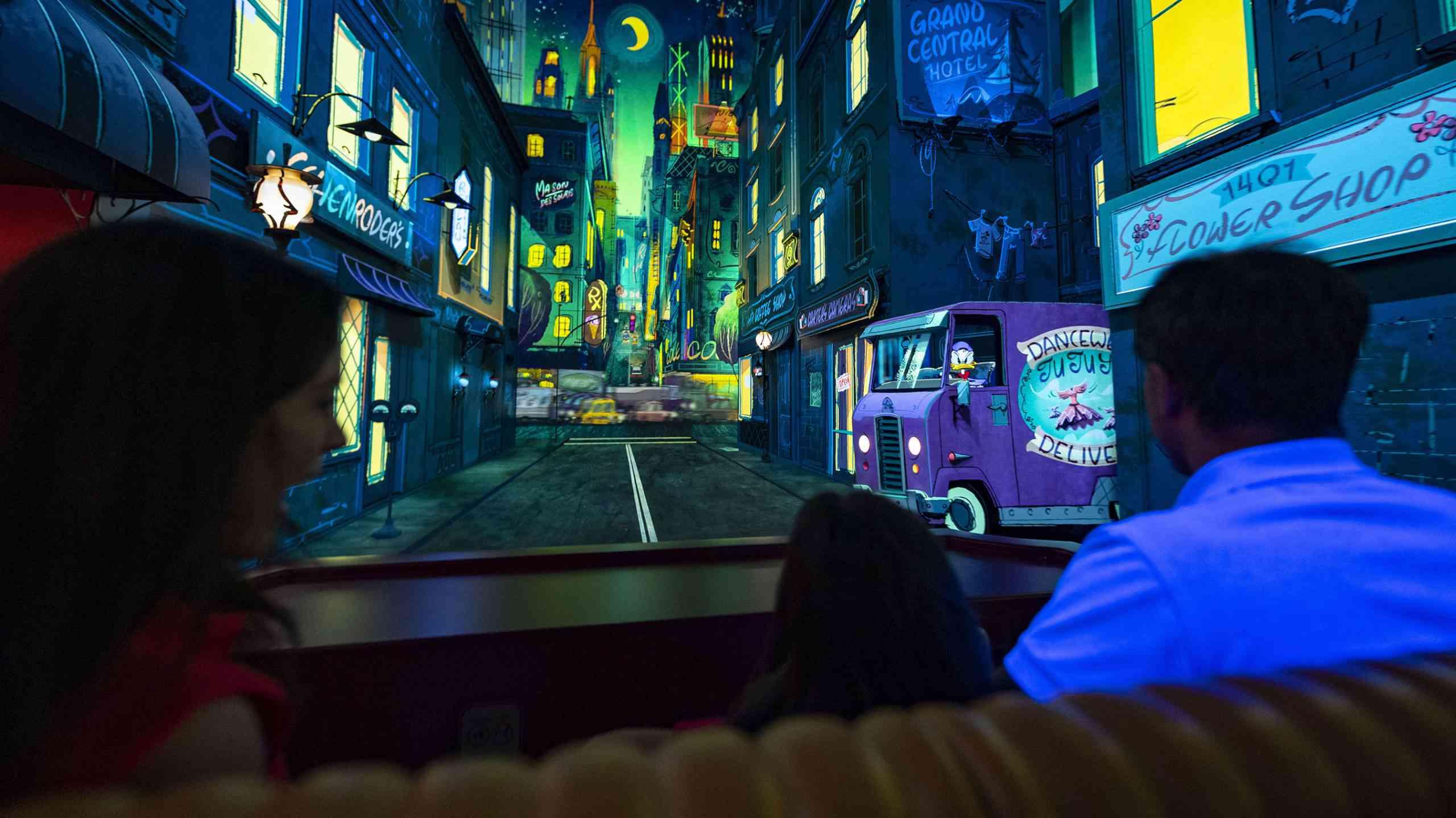 Mickey & Minnie's Runaway Railway city scene