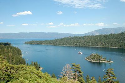 Lake Tahoe, Nevada, Sierra Nevada mountains, California