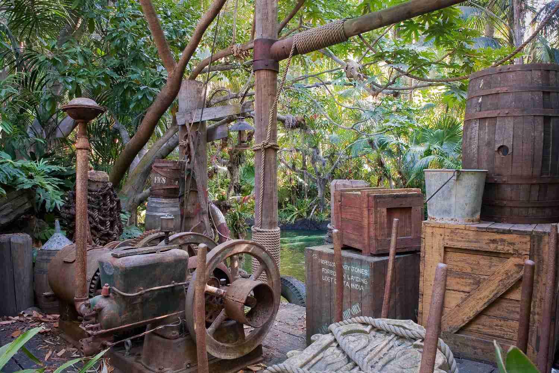 Details from the Indiana Jones Adventure Queue
