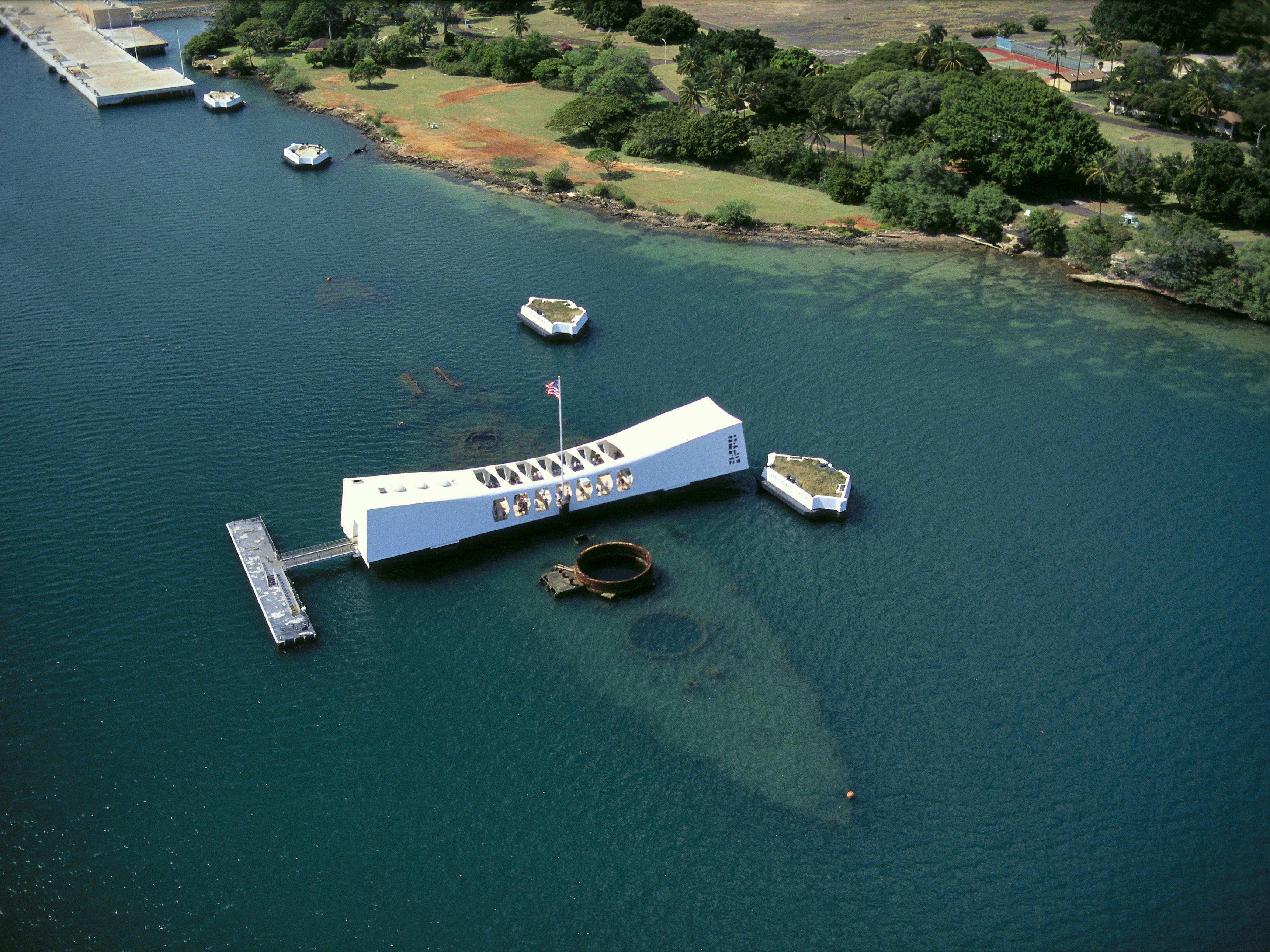 Pearl Harbor Oahu >> Visiting Pearl Harbor And The Uss Arizona Memorial