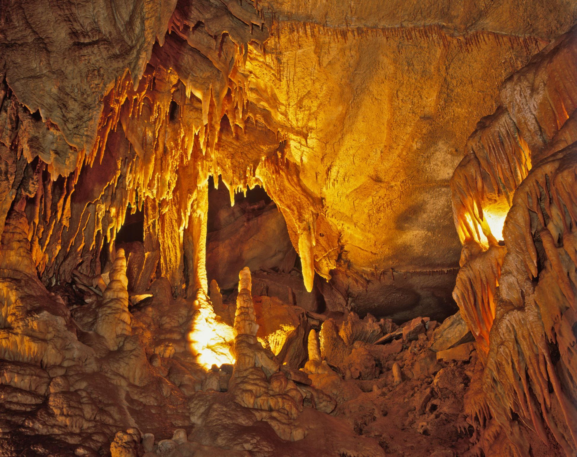 The Limestone Labyrinth of Mammoth Cave National Park, Kentucky