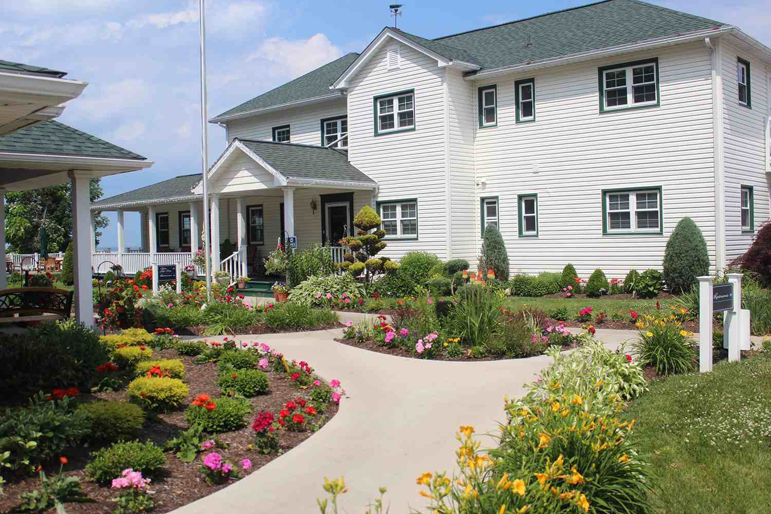 Lakehouse Inn and Winery