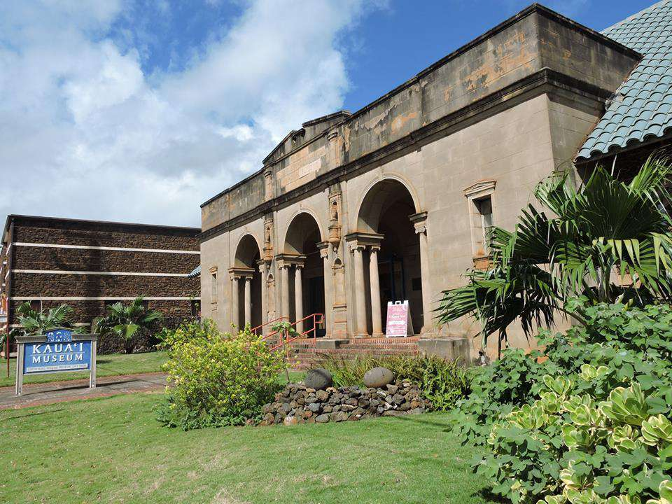 exterior of the Kaua'i Museum