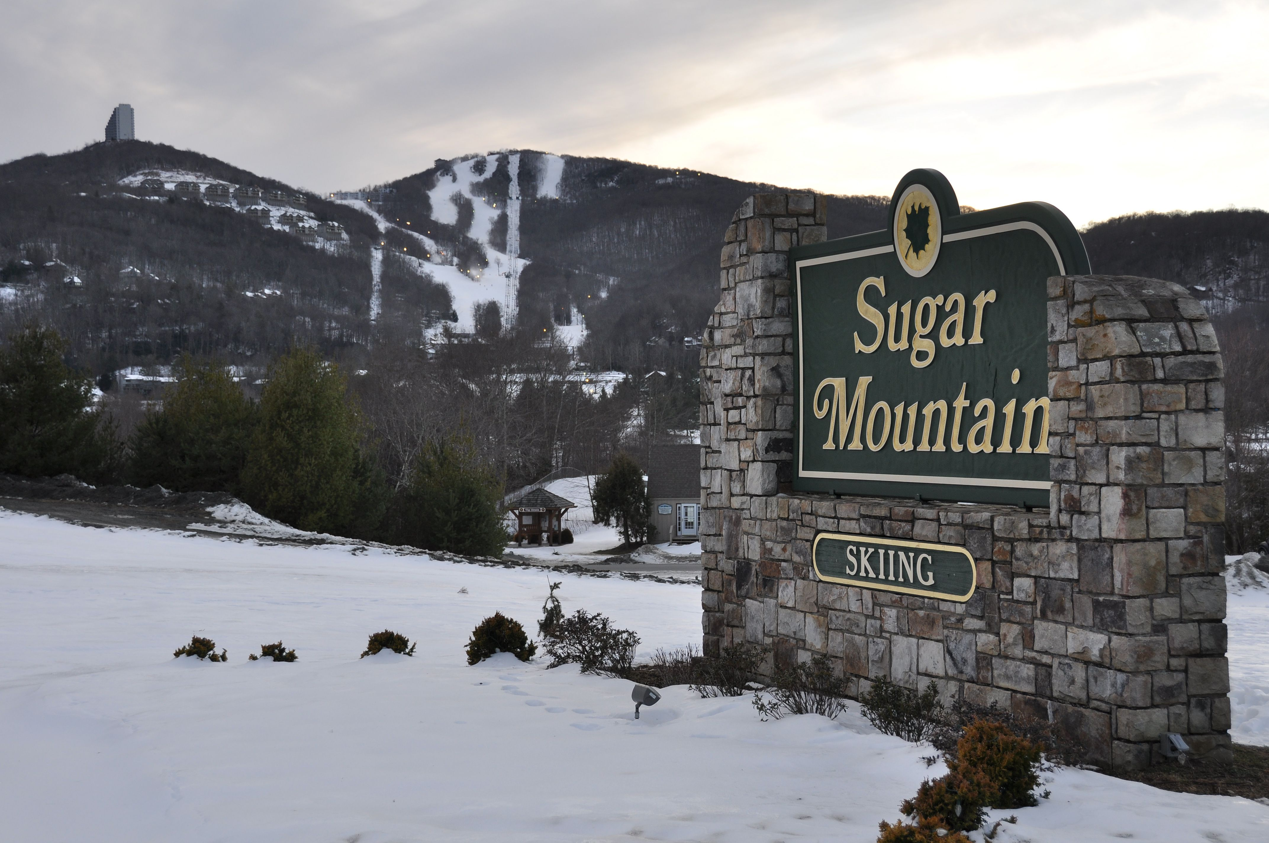Entrance sign for Sugar Mountain, North Carolina