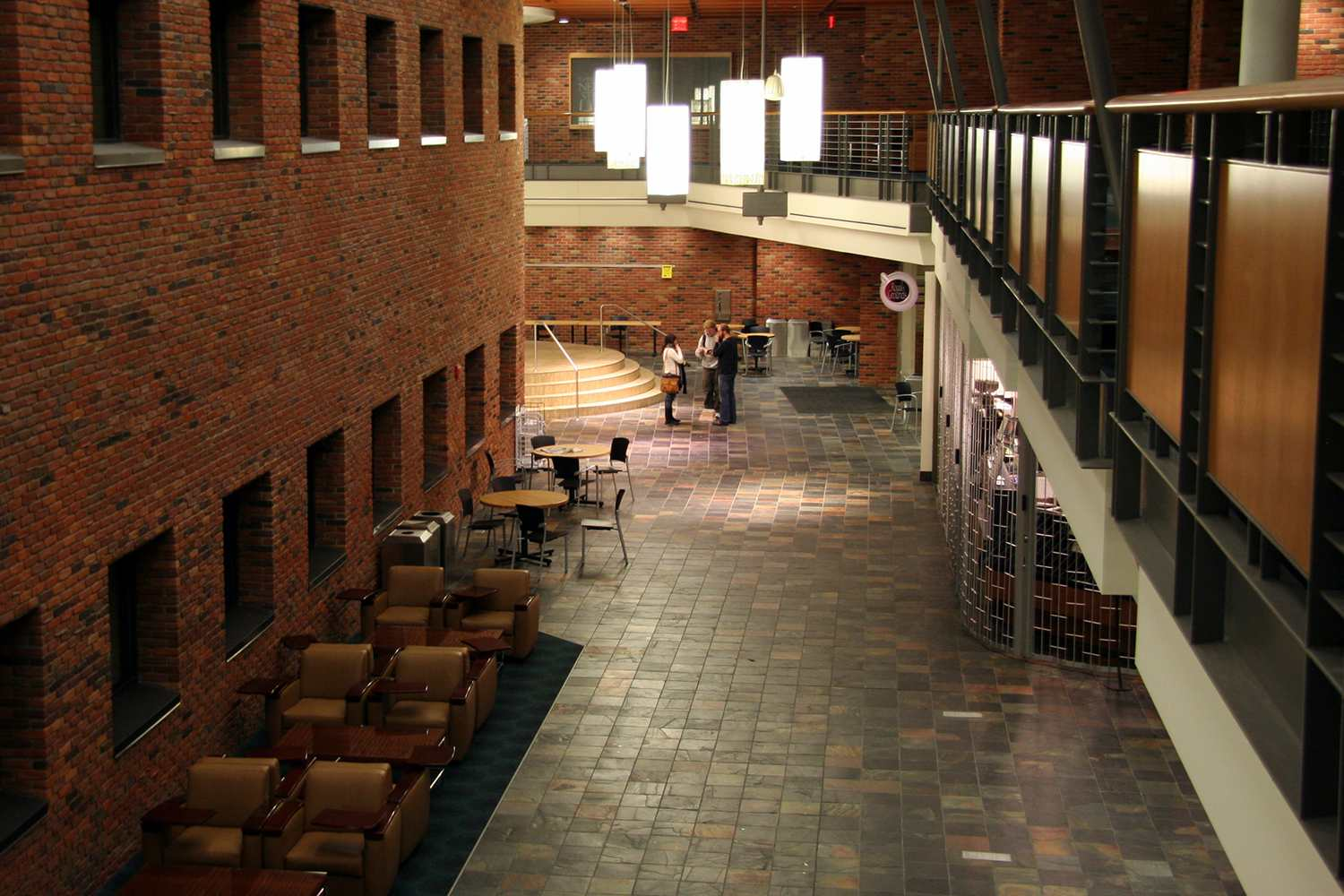 Royal Grounds Cafe and Student Lounge, Commons Building, Bethel University