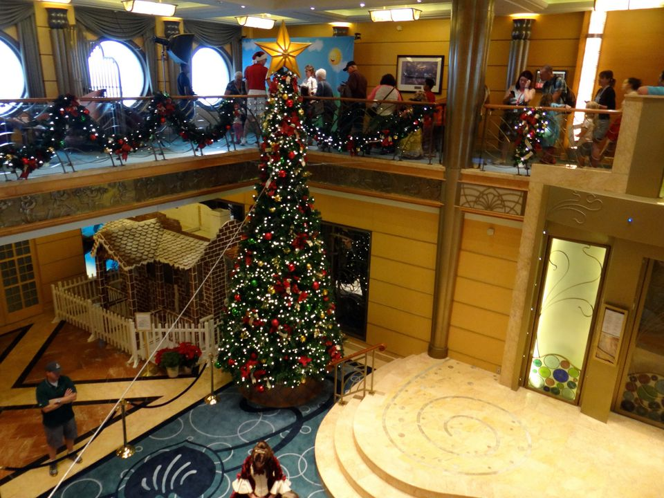 christmas tree in the disney wonder cruise ship atrium - When Do Cruise Ships Decorated For Christmas