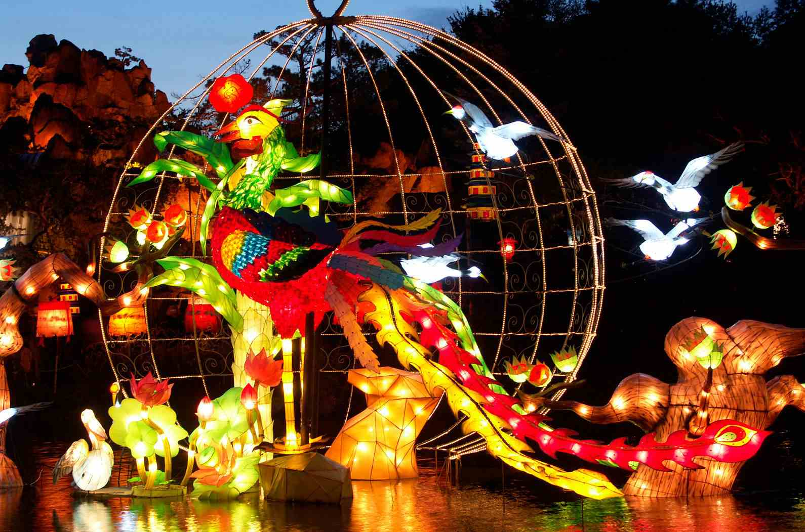 Montreal Halloween 2016 events for adults include Garden of Lights.