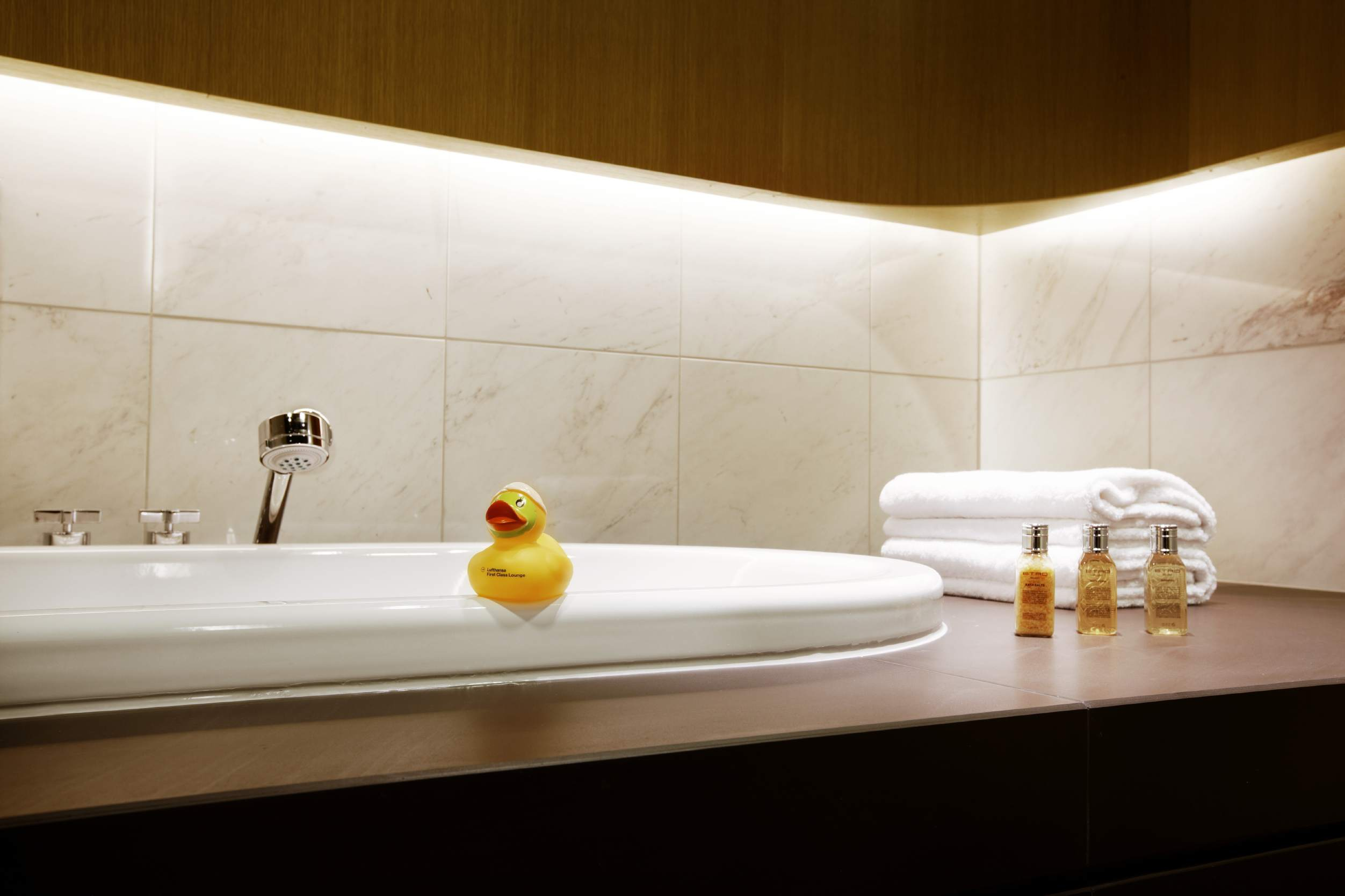 bathroom in Lufthansa's First Class Lounge at Frankfurt Airport