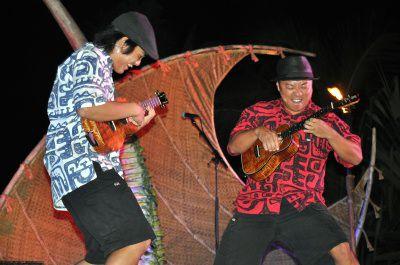 Ukulele Duo Heart and Soul at the Aulani Starlit Hui