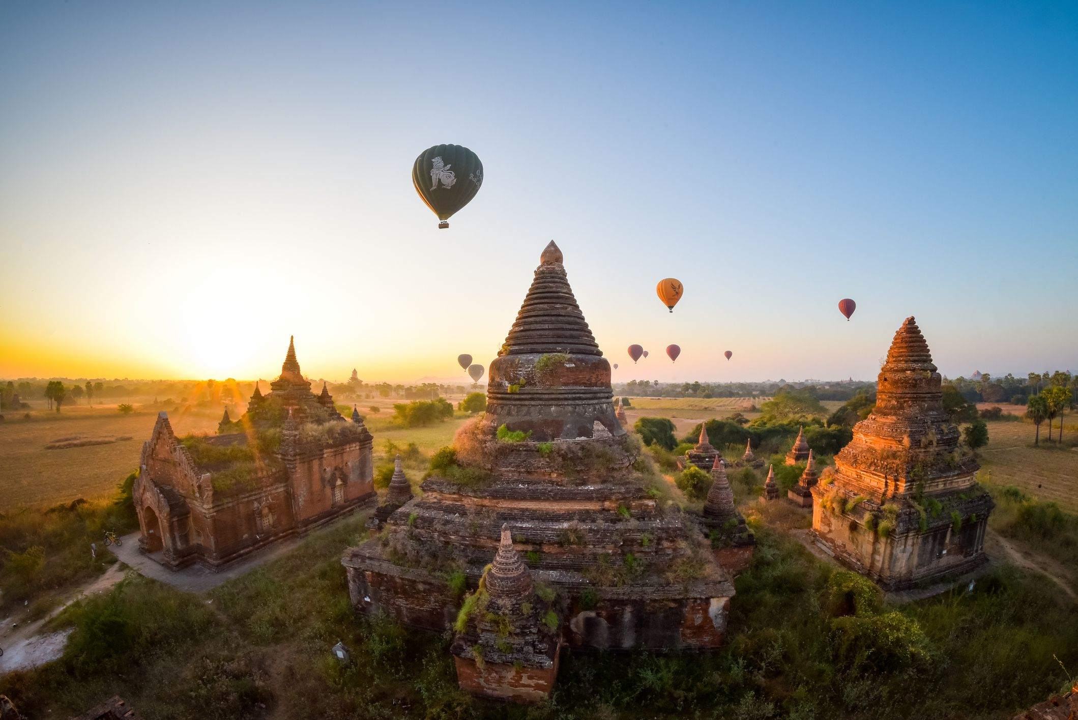 GettyImages 646927586 5af207593037130036dbf349 - Tempat Wisata Mengagumkan di Myanmar
