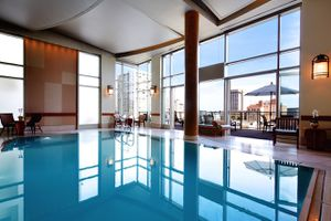 Scarlet Huntington guests have access to the penthouse pool, deck, steam, and sun of the Bob Hill Spa upstairs