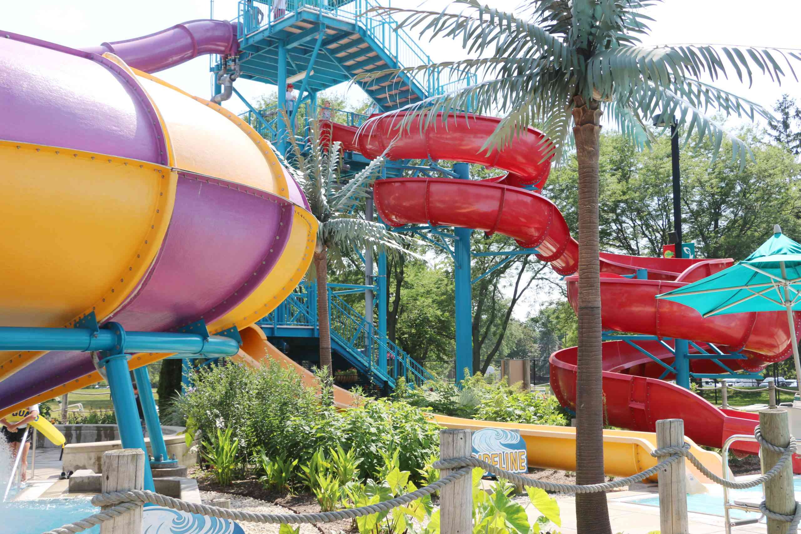 Paradise Bay Water Park in Illinois