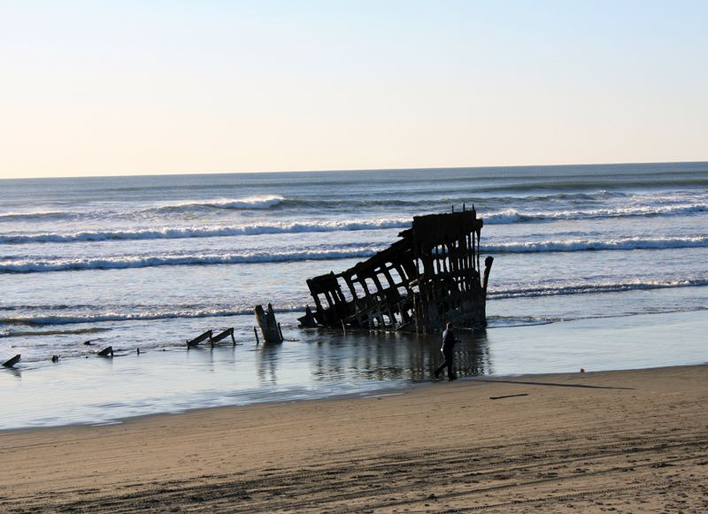 Picture of the Peter Iredale Shipwreck on the Oregon Coast