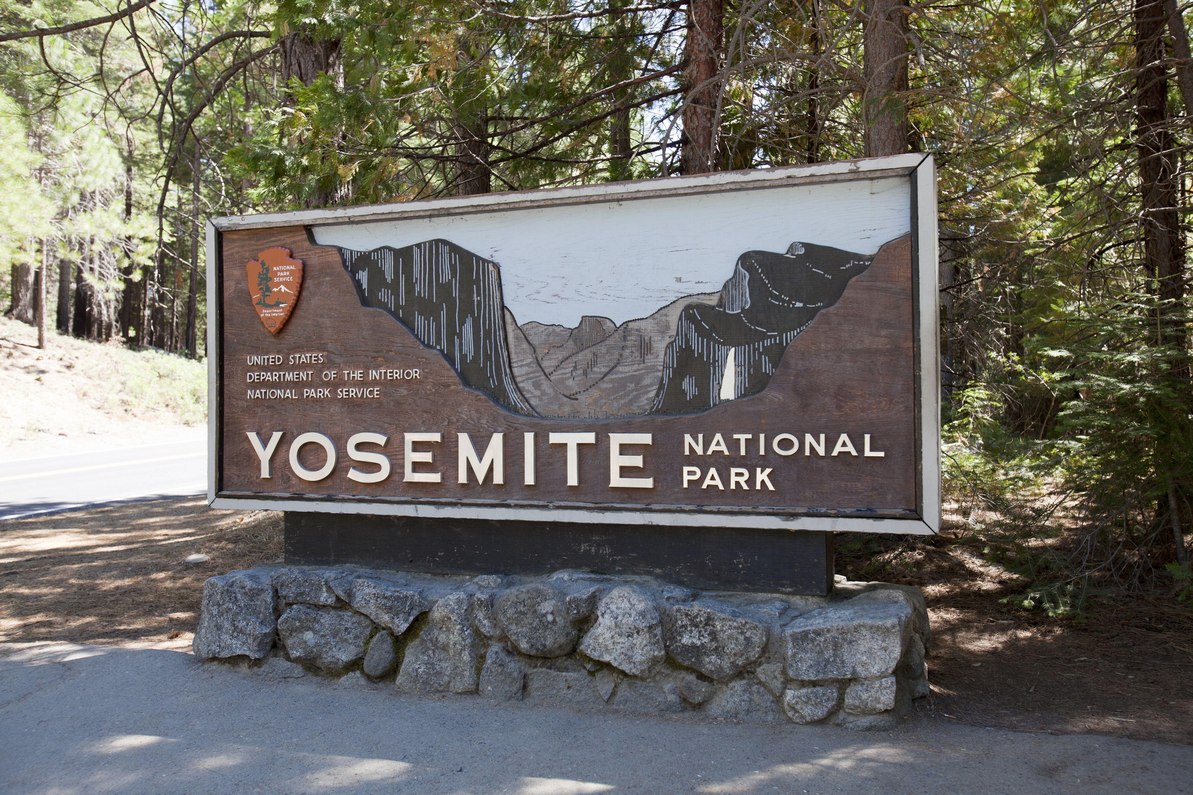 How to Spend a Day in Yosemite Yosemite National Park Map Of Landmark Signs on long beach landmarks, bakersfield landmarks, west point landmarks, abraham lincoln landmarks, ohio landmarks, mojave desert landmarks, maryland landmarks, grand canyon landmarks, san jose landmarks, new york landmarks, mountain basin region landmarks, cajun country landmarks, susanville landmarks, anaheim landmarks, long island landmarks,
