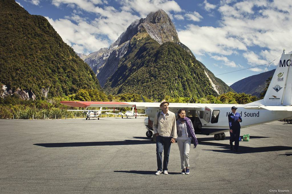 Scenic flight Milford Sound