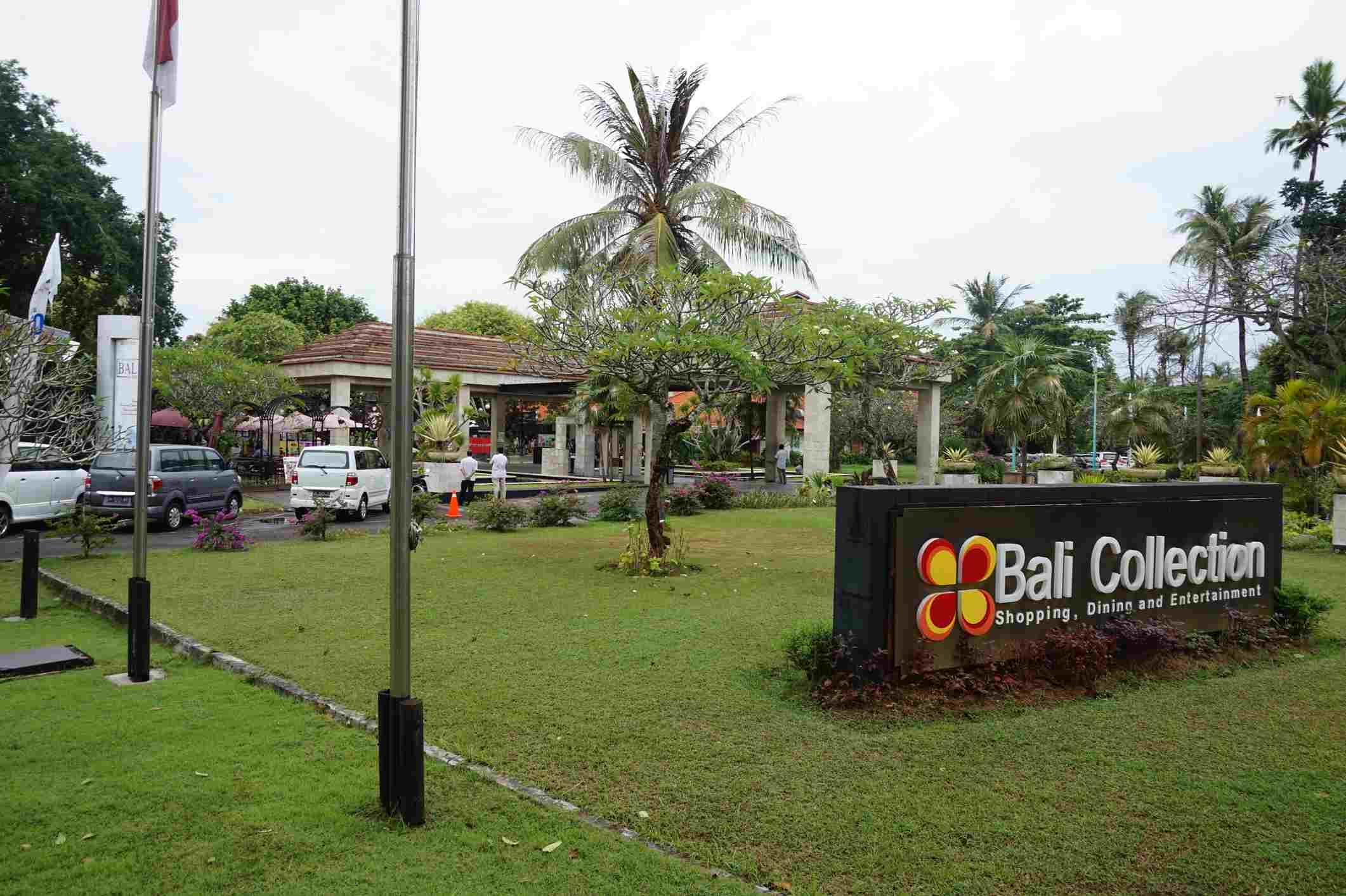 Bali Collection's outdoor garden