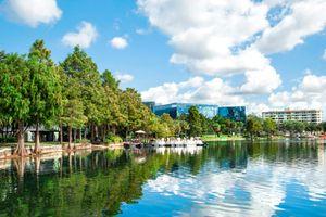 Lake Eola view in Orlando Florida