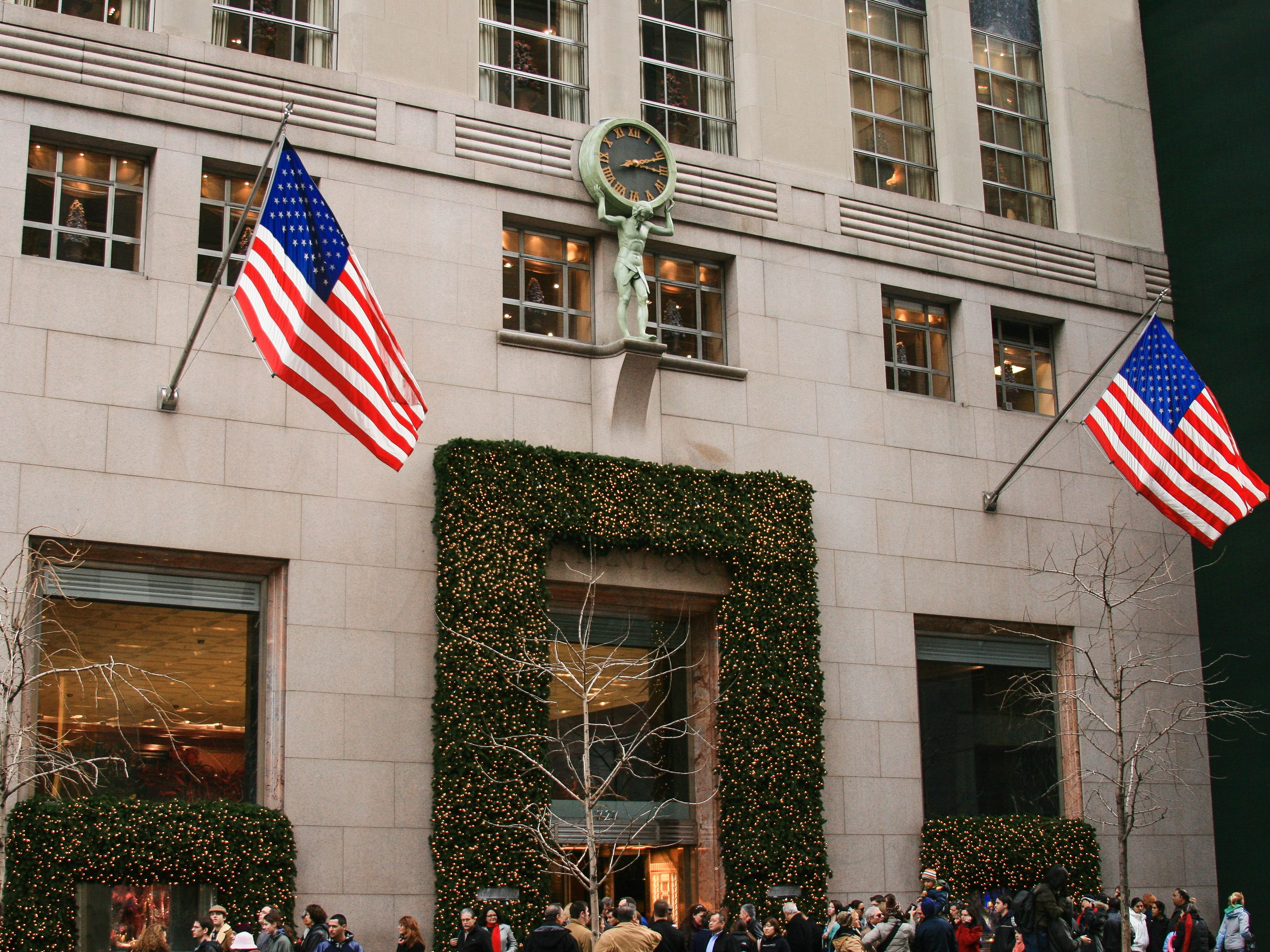 Tiffany & Co 5th Avenue Store at Christmas, New York.