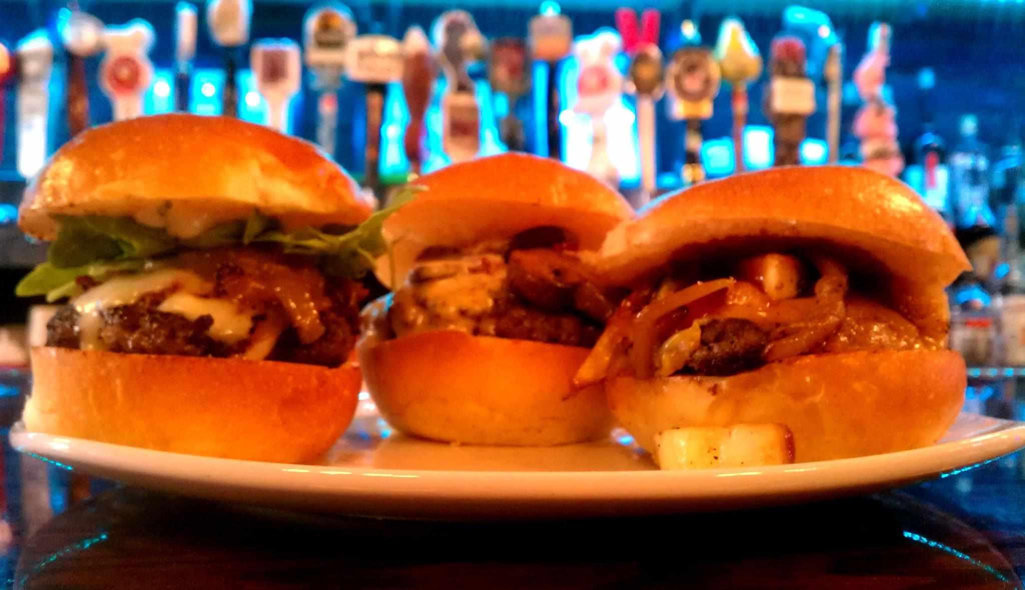 Wingharts Burger and Whiskey Bar en Pittsburgh, PA