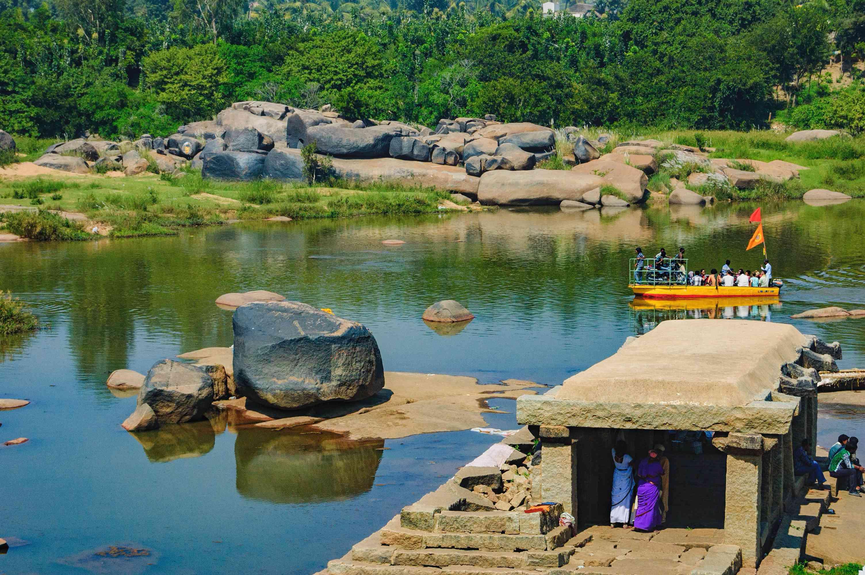 Crossing the Tungabhadra River in Hampi