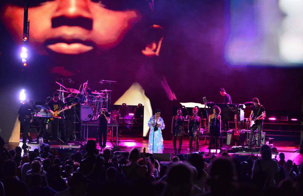 Lauryn Hill performs during The Miseducation of Lauryn Hill 20th Anniversary Tour at Bayfront Park Amphitheater