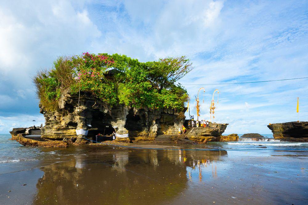 Templo en el agua , Los hermosos jardines y templos
