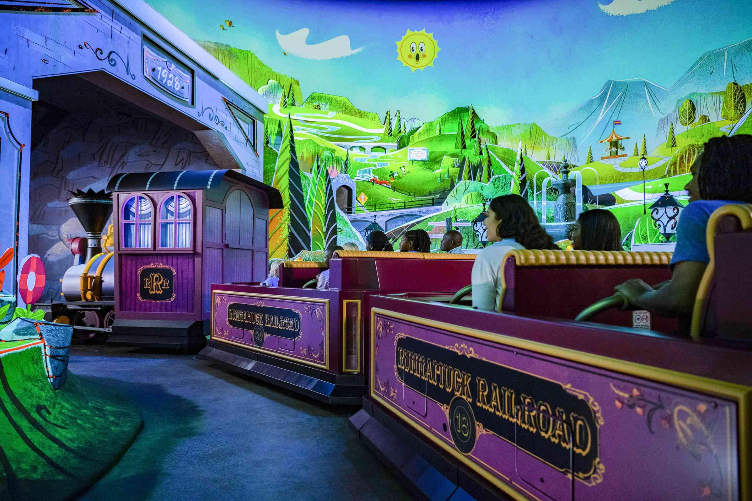 Mickey & Minnie's Runaway Railway Runnamuck Park
