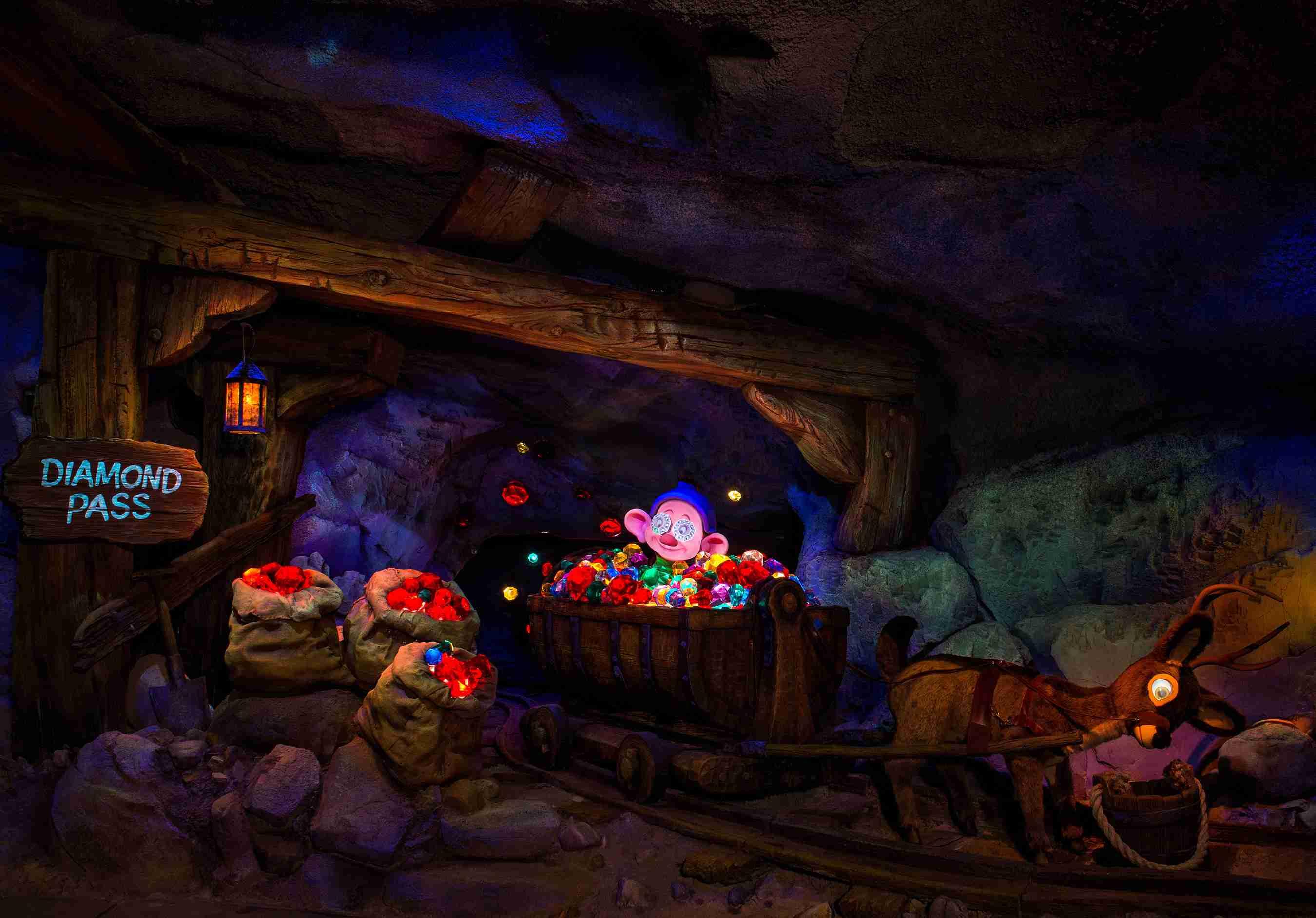 Seven Dwarfs Mine Train Disney World show scene
