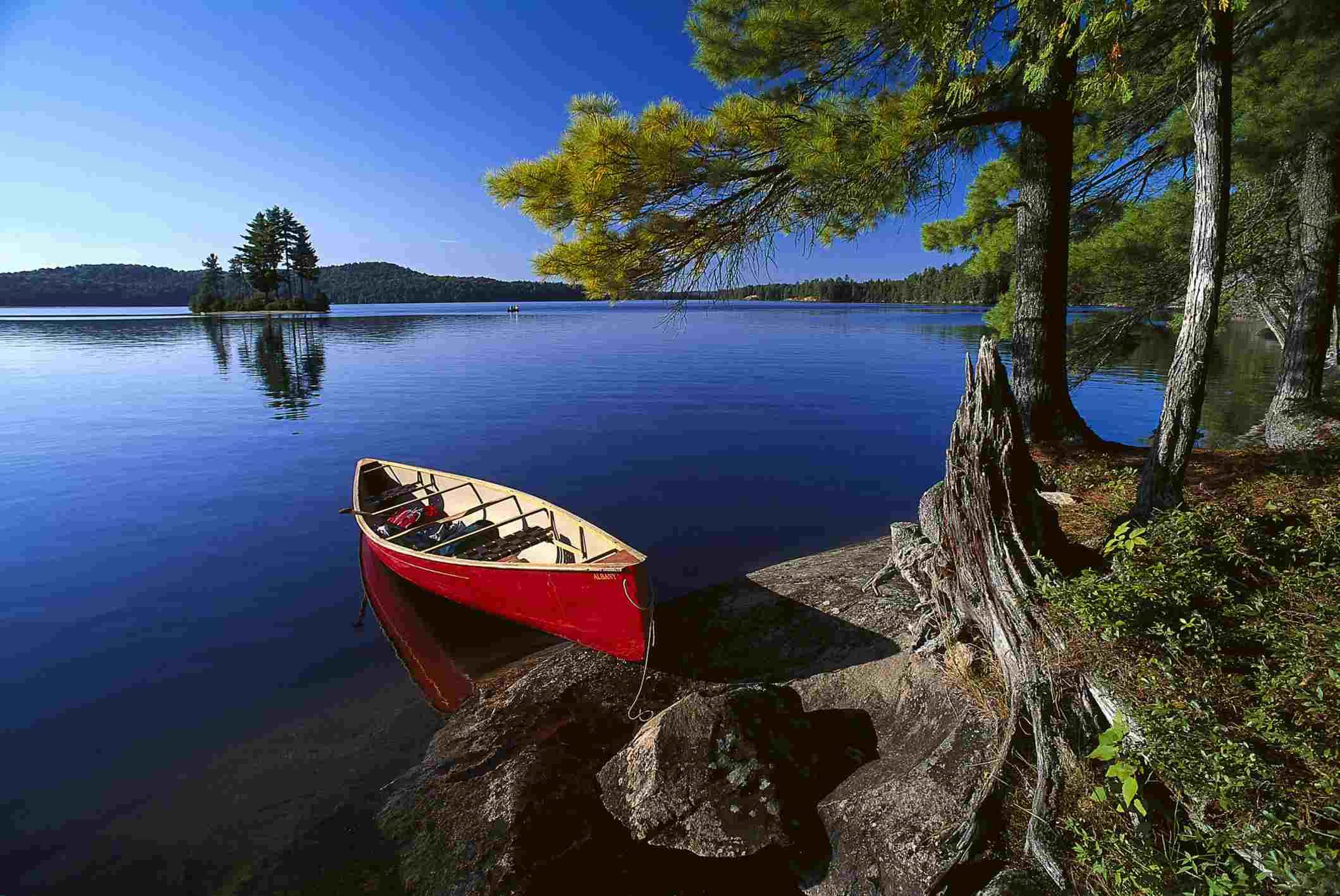 Lake Opeongo in Algonquin Provincial Park, Ontario, Canada.