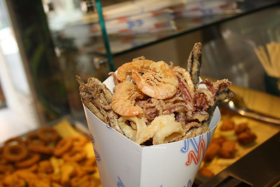 Cup of fried seafood at Il Pescato Cucinato